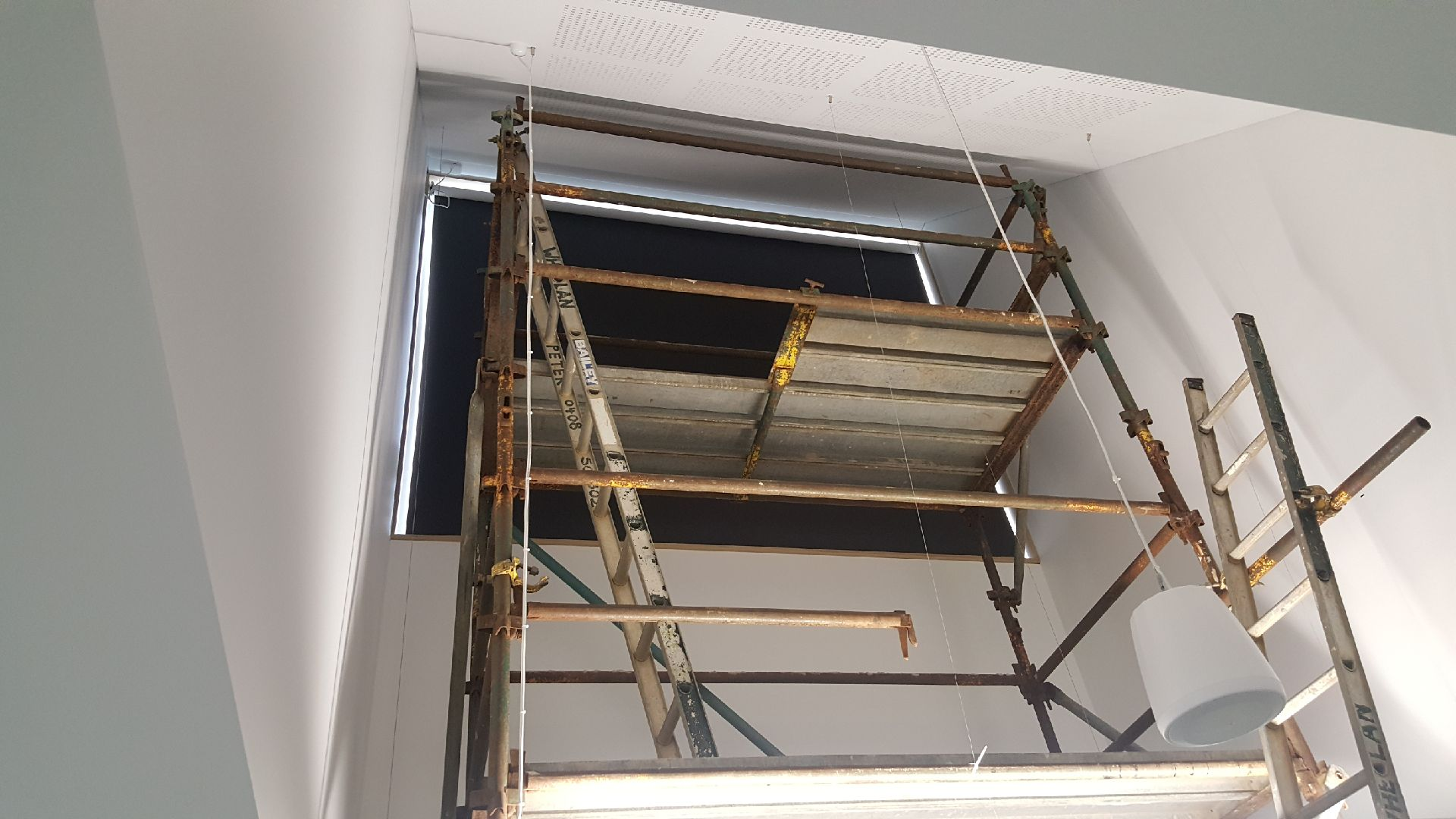 blind glass drilling venetian blindsinstalling size on traverse of full ready rods dummiesinstalling how drapery vertical hang track curtains walls bracket out center for installing that to over door rod made curtain brackets aluminum plaster doors window van sliding with stick and blinds without in
