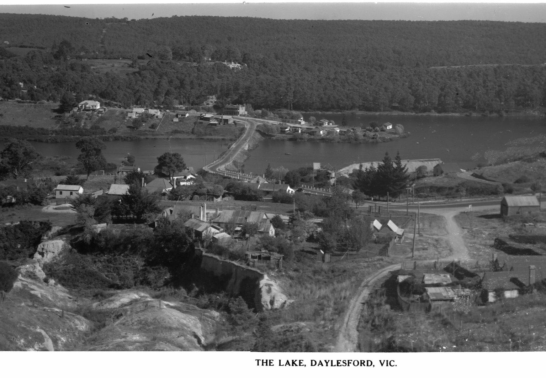 Day-0008-THE LAKE DAYLESFORD VIC.