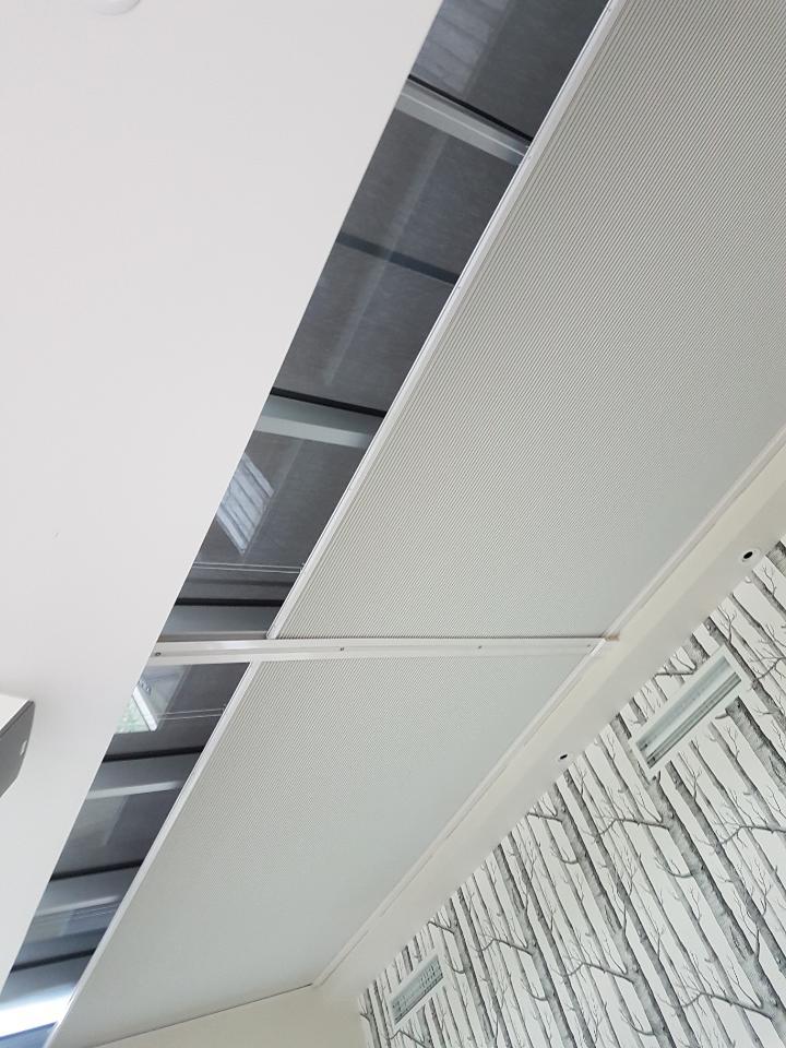 motorised skylight blind